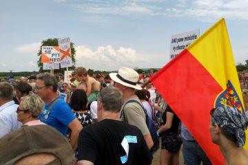 Pochod proti těžbě štěrkopísku